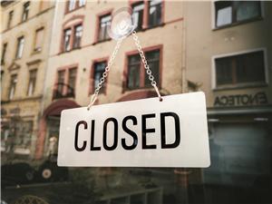 {#closed-3461950_1920}